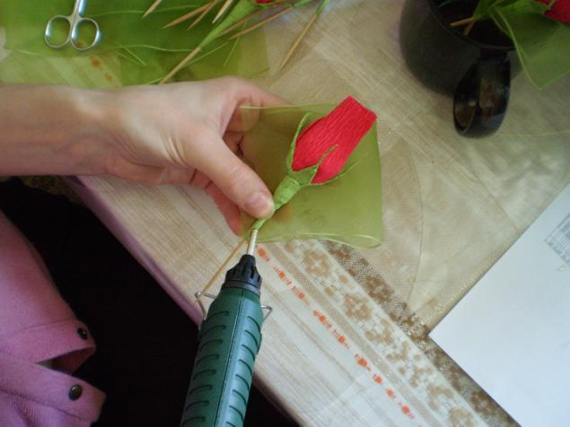 Бутон из конфет своими руками мастер класс роза