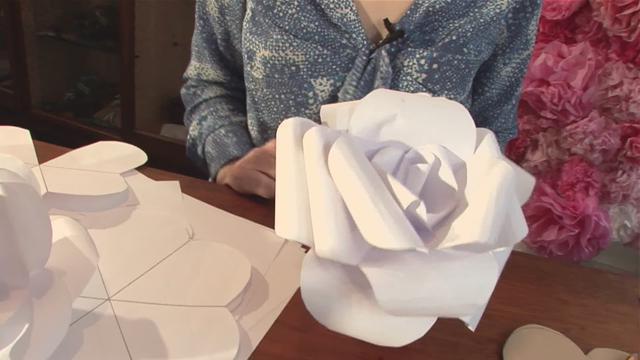 Как сделать большие цветы из бумаги своими