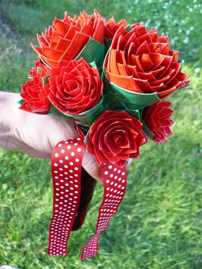 Необычные цветы из бумаги