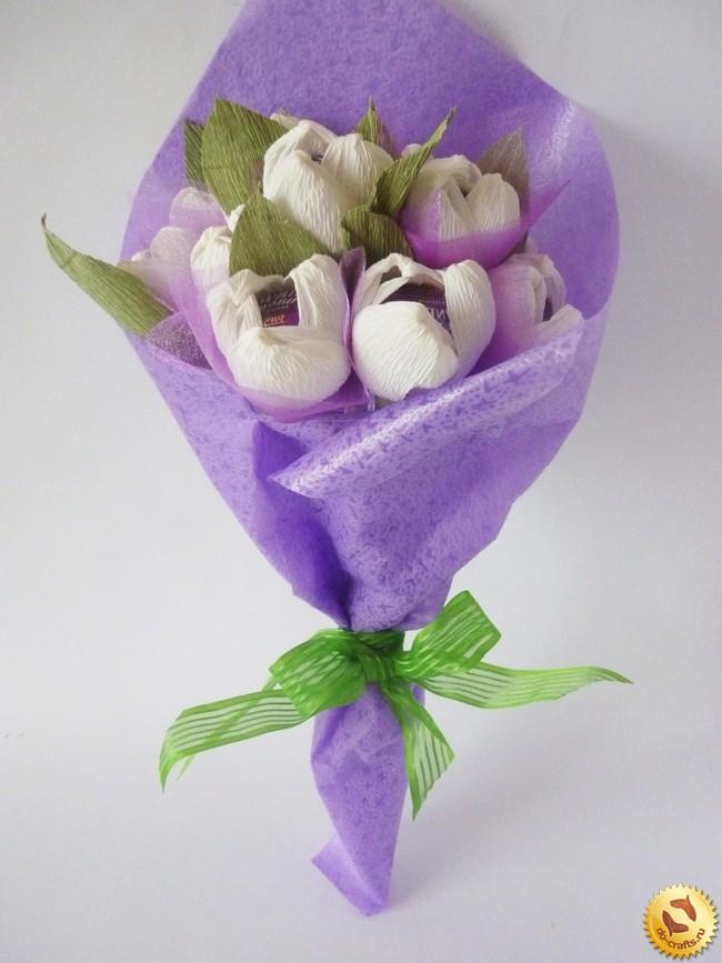 Цветы с гофрированной бумаги с конфетами своими руками пошагово фото