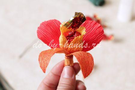 Как сделать из гофробумаги орхидею