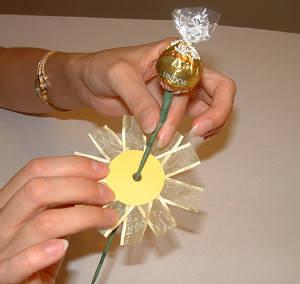Букет с конфет своими руками пошаговое фото
