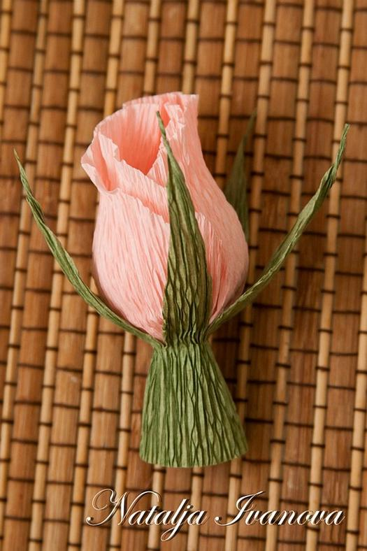 Бутон роз из конфет своими руками