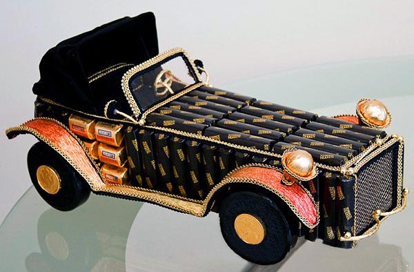Машинка из конфет своими руками фото схемы пошагово