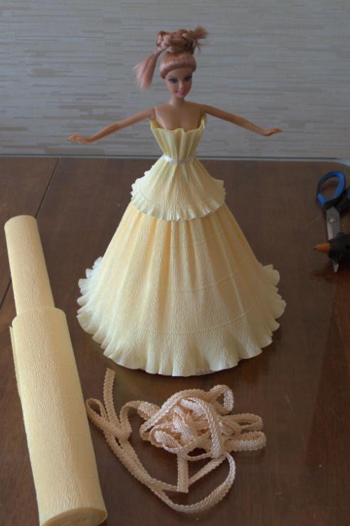 Кукла из конфет своими руками фото