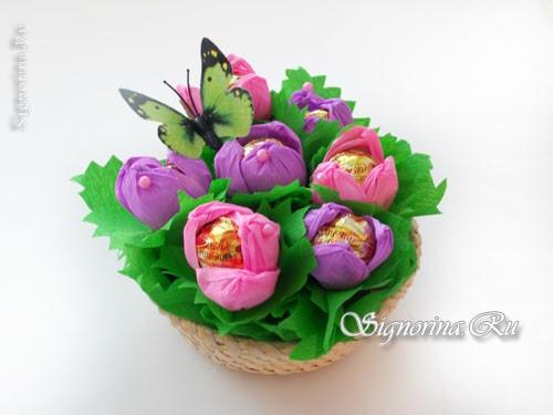 Цветы из конфет к 8 марта